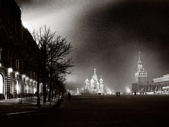 Winter night on Red Square in Moscow, 1995